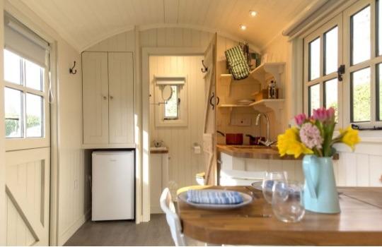 shepherd hut 540x350